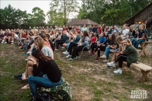 Taujėnuose buvo susirinkę Lietuvos moksleivių sąjungos savanoriai