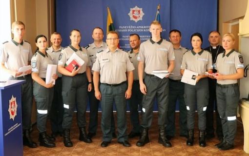 Priesaikos žodžius Panevėžio apskrities vyriausiajame policijos komisariate ištarė šeši nauji pareigūnai
