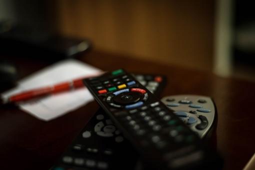 Televizoriaus pulteliu – mažametei per galvą