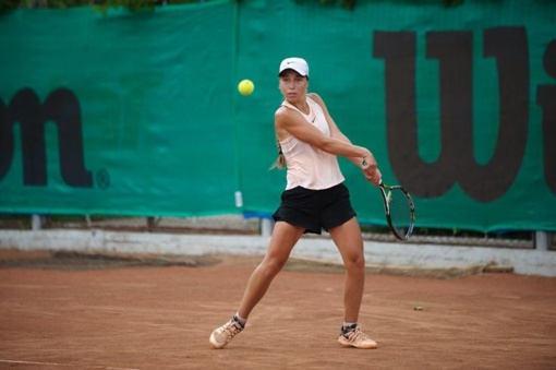 Klaudija Bubelytė dvigubai triumfavo 1-os kategorijos teniso turnyre