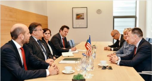 Ministras L. Linkevičius su JAV specialiuoju atstovu K. Volkeriu aptarė pagalbą Ukrainai