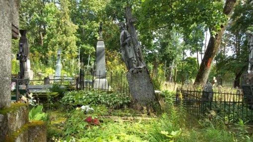 Senos kapinės