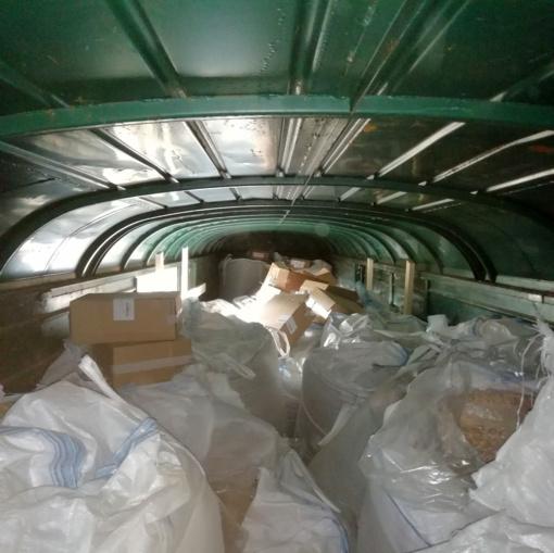 """""""Juodasis rugpjūtis"""" kontrabandininkams – per dvi pastarąsias savaites muitininkai sulaikė beveik milijoną pakelių nelegalių rūkalų"""