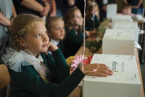 Tauragės rajono savivaldybė Mokslo ir žinių dienos proga pradinukus nudžiugino dovanomis