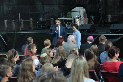 Mokslo ir žinių dienos sveikinimuose Šiaulių mero padėka jaunoms šeimoms