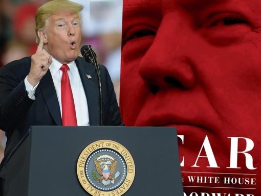 """Trumpas ir jo komandos nariai kritikuoja atvirą """"The Washington Post"""" žurnalisto knygą"""