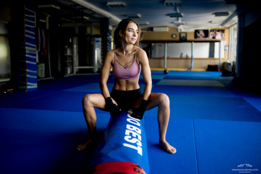 Gražuolė medicinos studentė žengia į narvą: UFC yra mano svajonių svajonė