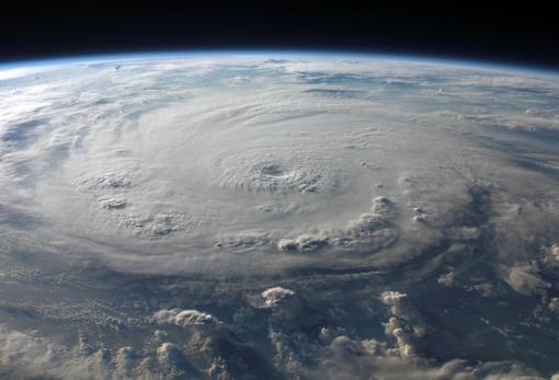 """JAV ruošiasi atslenkančiam galingam uraganui """"Florence"""""""