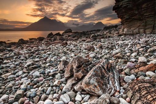 Garsiame Graikijos paplūdimyje per akmenų griūtį sužeisti septyni žmonės