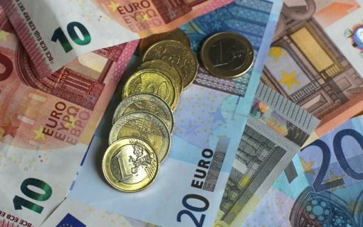 Minimalią mėnesio algą siūloma didinti iki 430 Eur