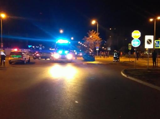 Antradienio vakarą Gardino gatvėje susidūrus dviem automobiliams nukentėjo moteris
