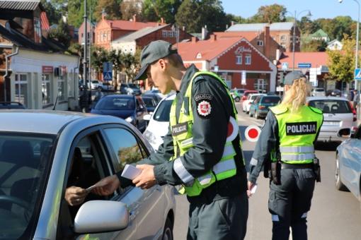 Dieną be žuvusiųjų keliuose – sustiprintas pareigūnų dėmesys eismo dalyviams