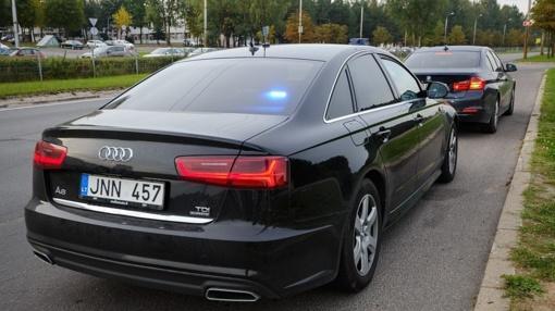 """Diena su """"Audi A6 quattro"""": kaip vyksta darbas nežymėtu policijos automobiliu"""