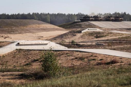 Pabradėje naują šaudyklą per pratybas išbandė Lietuvos, JAV ir NATO bataliono kariai (vaizdo įrašas)