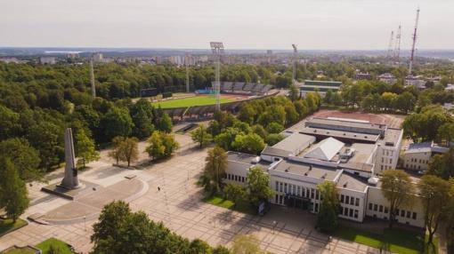 Senasis Kauno stadionas skaičiuoja paskutines minutes: statybininkai pradėjo paruošiamuosius darbus