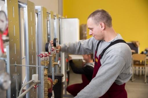 Priėmimas į profesines mokyklas: šiemet daugiausia ruoš inžinerijos ir inžinerinių profesijų specialistų