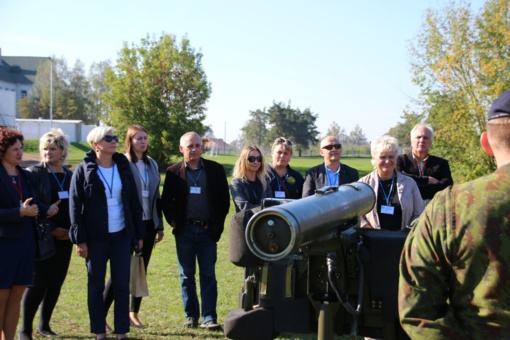 Radviliškio rajono seniūnai diskutavo apie bendradarbiavimo galimybes su Oro gynybos batalionu