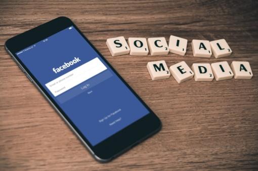 """Tyrė įmonių komunikaciją socialiniame tinkle: kaip verslui gauti realios naudos iš """"Facebook""""?"""