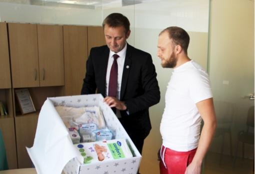 Kūdikių sulaukusiems šiauliečiams įteikta jau 200 kraitelių