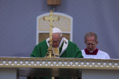 Popiežius paragino dovanoti save kitiems netrokštant tapti herojais