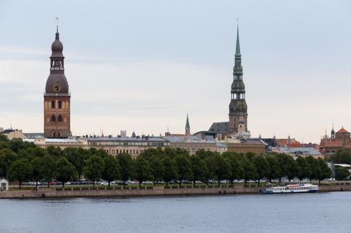 Latvijos oficiali dovana popiežiui bus Henriko Latvio Kronikos 1993-iųjų leidimas