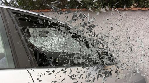 Panevėžyje susidūrus automobiliams nukentėjo moteris