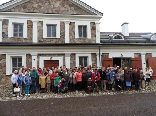 Bibliotekos projekto dalyviai aplankė Paliesiaus dvarą