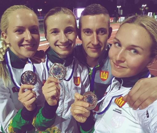 Lietuvos penkiakovininkėms - pasaulio kariškių čempionato sidabras