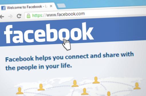 """Kibernetinė ataka prieš """"Facebook"""" sukėlė pavojų 50 mln. vartotojų duomenims"""