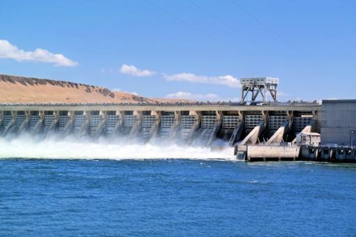 Kruonio HAE aukštutiniame baseine – saulės jėgainė ant vandens