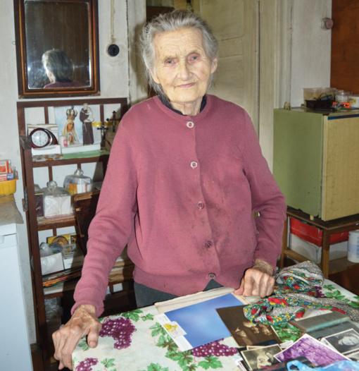 90-metė senolė savo ateitį jau susitvarkiusi: net su klebonu sutarusi