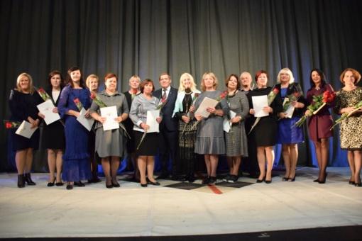 Metų mokytojams įteiktos premijos