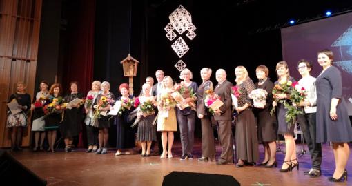 """Mokytojams – šventinis koncertas ir """"100-mečio mokytojo"""" apdovanojimai"""