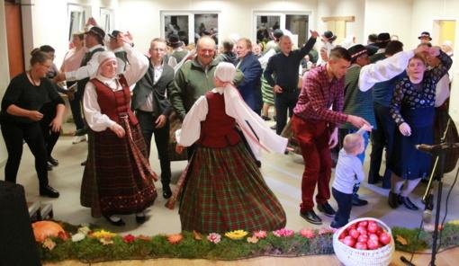 """Avižieniuose – bendruomenės šventė """"Po rudens dangumi"""""""
