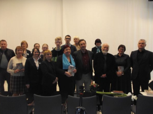 """Vytauto Almanio knygos """"Už ribos"""" pristatymas viešojoje bibliotekoje"""