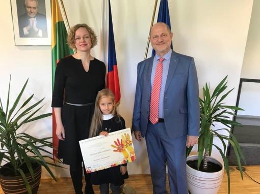 """Septynmetei ir jos """"Undinėlei"""" - Čekijos ambasados diplomas"""
