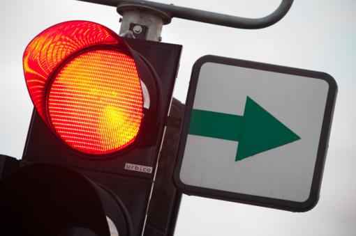 Žadant naikinti žalias šviesoforų rodykles vairuotojams valdininkai numatė alternatyvą