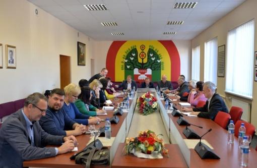 Artėjant atšvaitų dienai – susitikimas su Lietuvos automobilių kelių direkcijos atstovu