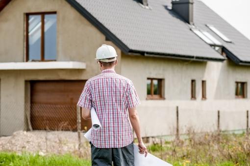 Parama pirmam būstui: daugiausia problemų kyla dėl subsidijų namams statyti