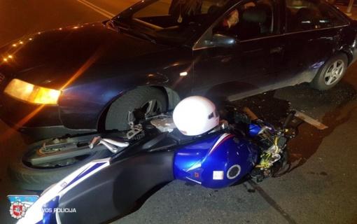 Susidūrus automobiliui ir motociklui, nukentėjo keleivė