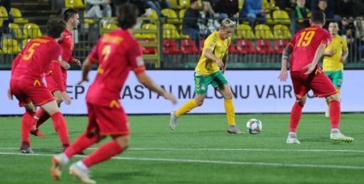 Lietuvos futbolo rinktinės treneris E. Jankauskas: padarėme per daug klaidų