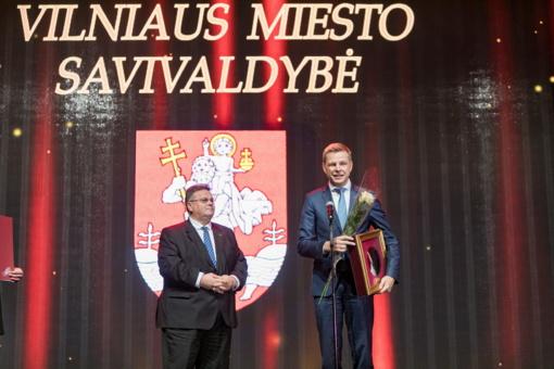 Vilniaus meras atsiėmė apdovanojimą už viešosios diplomatijos puoselėjimą
