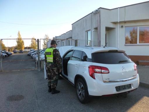 """Kalvarijos pasieniečiai sulaikė, įtariama, Belgijoje pavogtą visureigį """"Citroen C4 Aircross"""""""
