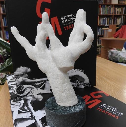 Didžio kraštiečio vardas įamžintas knygoje ir teatro nominacijos skulptūrėlėje