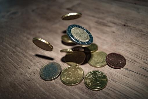 Vaiko pinigai gali didėti iki 70 eurų, jeigu šeima - nepasiturinti ar gausi