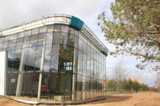 Rokiškio baseinui jau matuojami atidarymo kaspinai: valstybinė komisija objektą priėmė, iki atidarymo liko keli formalumai