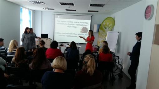 Jaunuosius Alytaus Putinų gimnazijos tyrėjus aplankė mobilioji bioklasė
