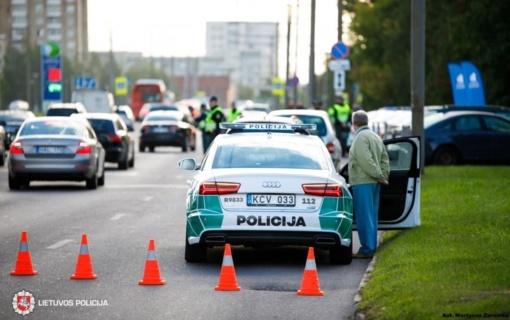Policija įspėja apie eismo spūstis ir tinkamesnius maršrutus