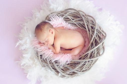 Į ligoninę dėl momenkaulio lūžio galvoje paguldytas pusės metų kūdikis