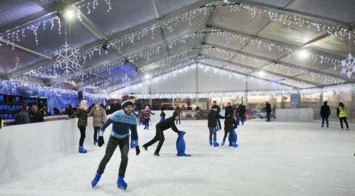 Žiemą Marijampolės centre pramogos ant ledo